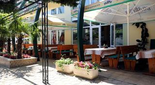Sunny Day Club - Terrasse