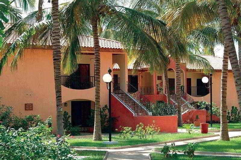 Ocean Bay Hotel & Resort, Koffi Annan Street,