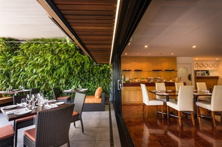 Christchurch Hotels:The George
