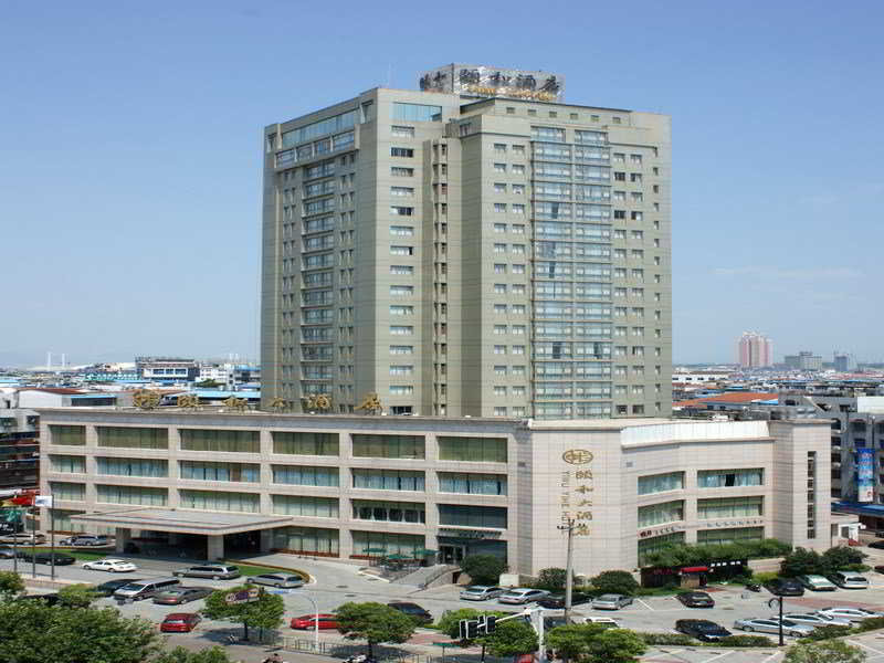 Yiwu Yihe Hotel, 2 North Gongren Road,