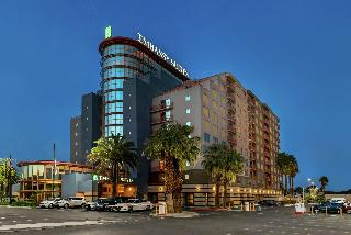 Embassy Suites Hotel Convention Center
