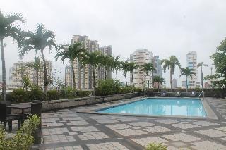 Pearl Manila - Pool