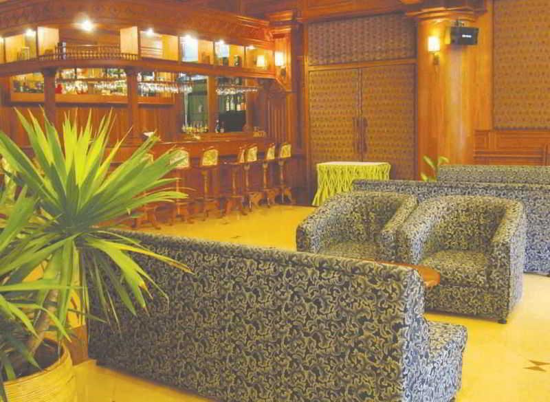 The Goldiana Angkor - Bar