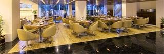 The Monarch Luxur - Restaurant
