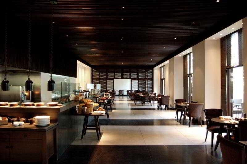 The Club at The Saujana - Restaurant