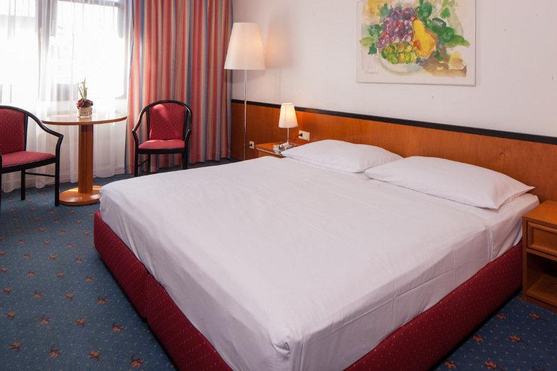 Austria Trend Hotel Favorita - Zimmer
