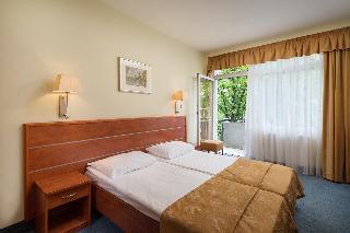 Hotel Benczúr, Benczur Utca,35