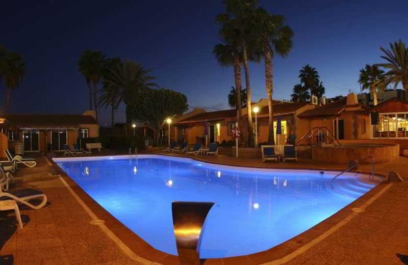 Los Almendros (gay, lesbian & friends) - Pool