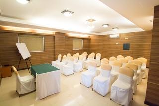 Nandhana Grand - Konferenz