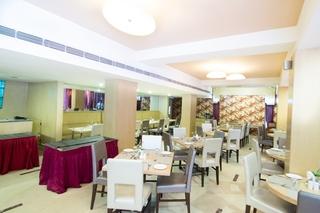 Nandhana Grand - Restaurant