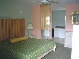 Miami Hotels:Motel Blu