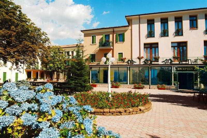 Park Hotel Jolanda, Via Degli Alpini,7