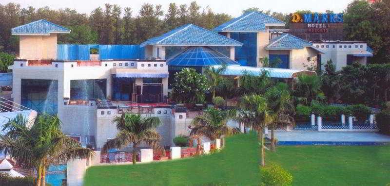 Dee Marks Hotel & Resorts, Adjoining Shiv Murti,national…