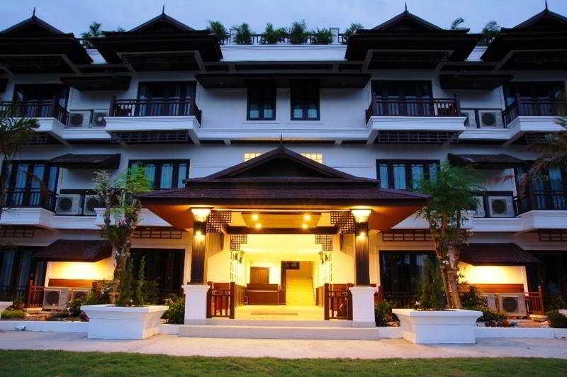 Phi Phi Andaman Legacy…, Moo 7 Phi Phi Island, Ao…