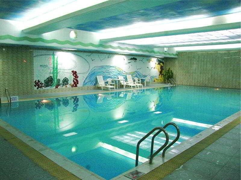 Hui Quan Dynasty - Pool