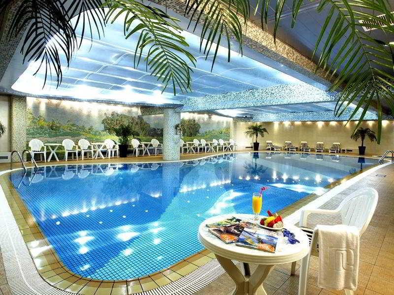 Regal Shanghai East Asia - Pool