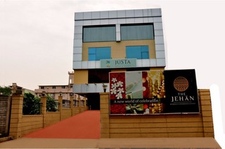 Justa The Residence…, S.m.modi Complex, Necklace…