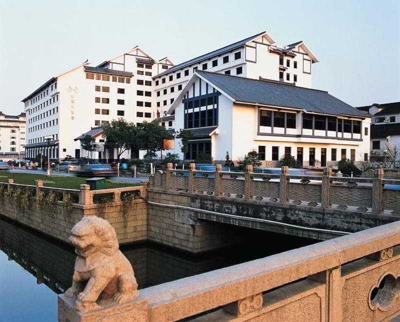 Gloria Plaza, 535 Ganjiang  Road East,