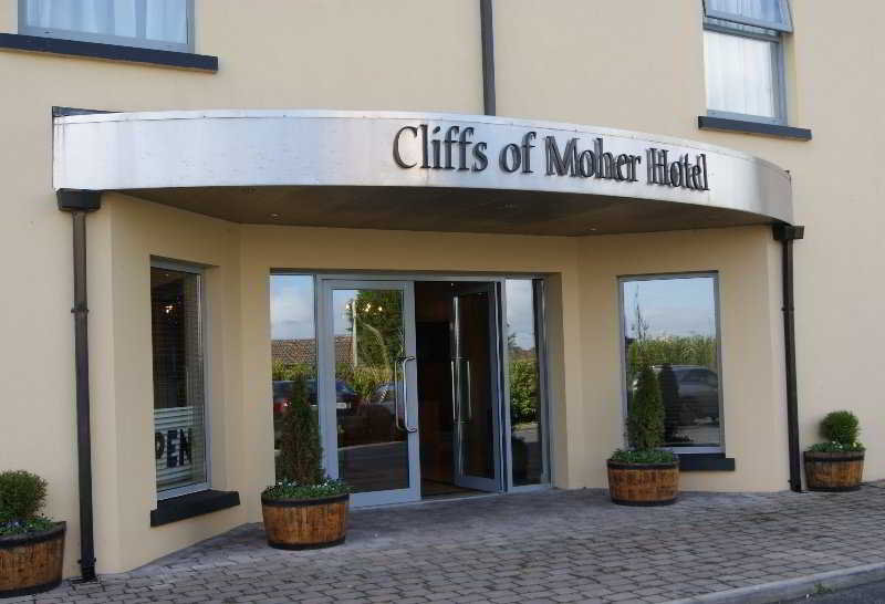 Cliffs of Moher, Main Street,n/a