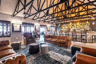 Etosha Safari Lodge - Bar