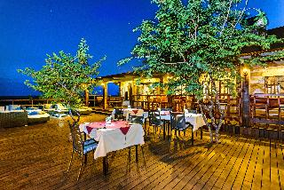 Etosha Safari Lodge - Restaurant