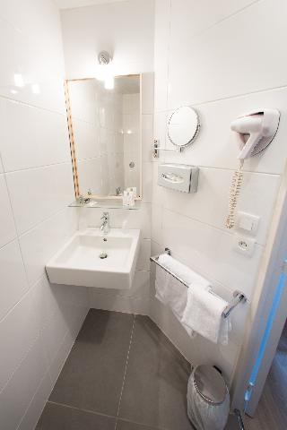 Comfort Hotel Cergy Pontoise