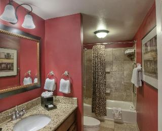 Clarion Collection Hotel Arlington Court Suites