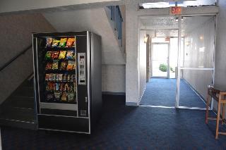 Howard Johnson Inn Milwauke Airport