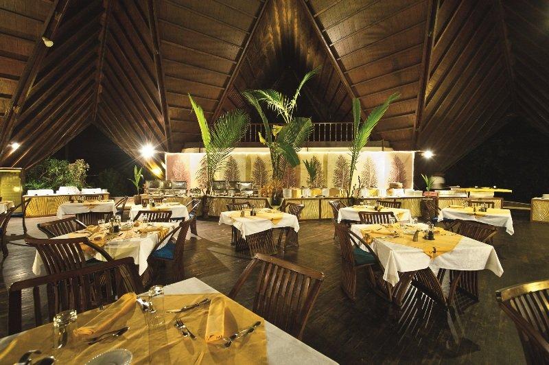 New Emerald Cove - Restaurant
