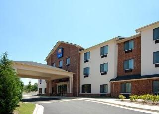 Comfort Inn & Suites Near Lake Lanier
