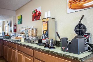 Quality Inn & Suites…, 2351 W. Roosevelt Blvd. Hwy.…