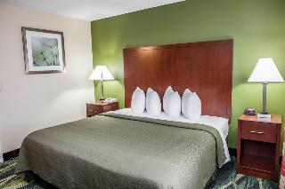 Quality Inn & Suites, 4124 Lincolmway West,