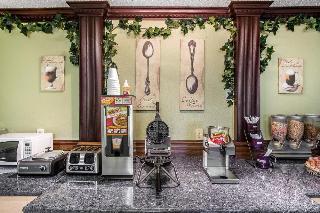 Rodeway Inn & Suites, 1300 Plaza Drive,1300