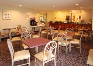 Book Sleep Inn & Suites St Louis - image 9