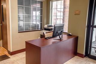 Comfort Suites (Elgin), 2480 Bushwood Drive,2480