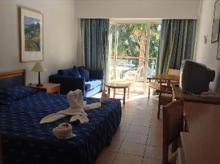 Paphos Gardens Hotel and Apartments