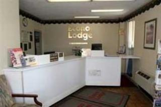 Econo Lodge near Potomac Mills