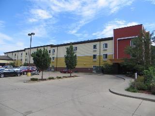 Econo Lodge  Inn & Suites Fairgrounds