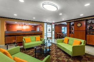 Econo Lodge & Suites, 3415 Queen City Drive,