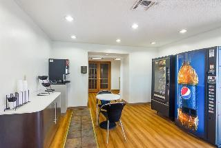 Econo Lodge, 4601 1/2 Sw 3rd Street,