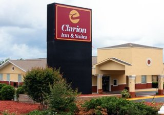 Clarion Inn & Suites Haywood Mall Area