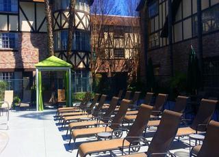 Anaheim Majestic Garden Hotel