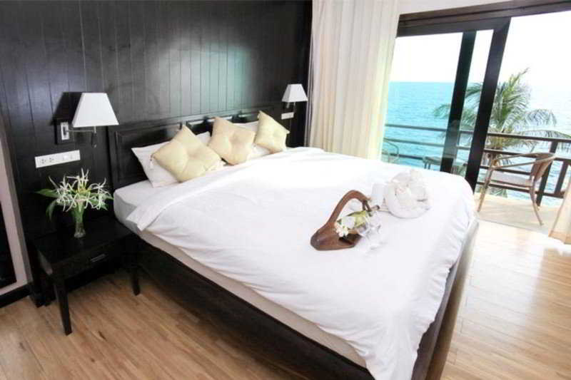 Moonlight Exotic Bay Resort