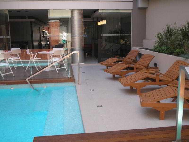 Ayres de Recoleta Plaza - Pool