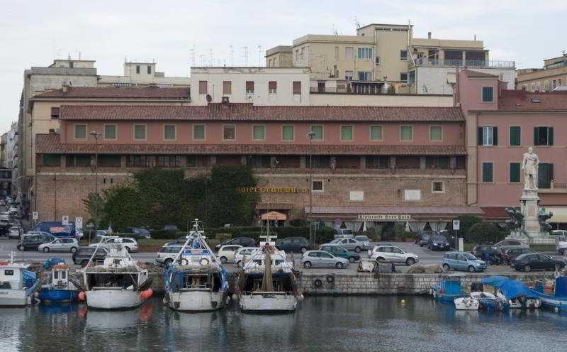 Grand Duca Hotel, Piazza Giuseppe Micheli,16-18