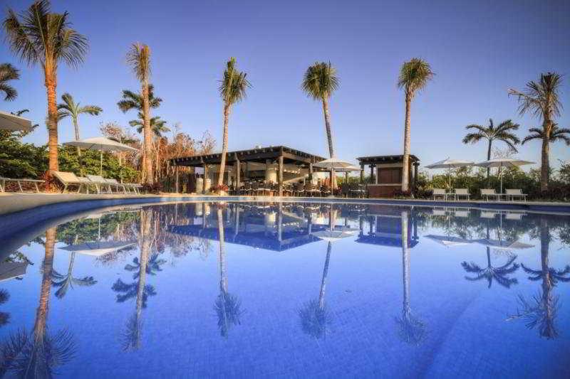 Ocean Breeze Riviera Maya - Pool