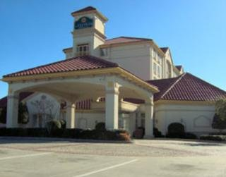 La Quinta Inn & Suites Dallas/north Central