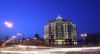 New Century Grand Hotel…, 2299 Jingyang Da Road, Luyuan…