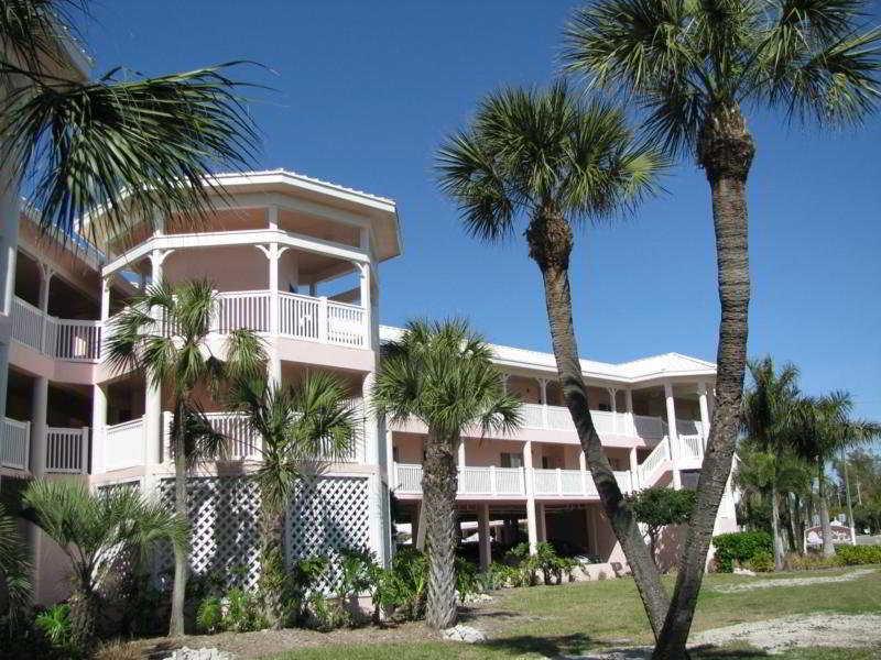 Anna Marie Island Apartments