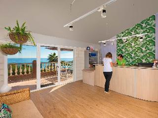 Olée Nerja Holiday Rentals by Fuerte Group - Diele